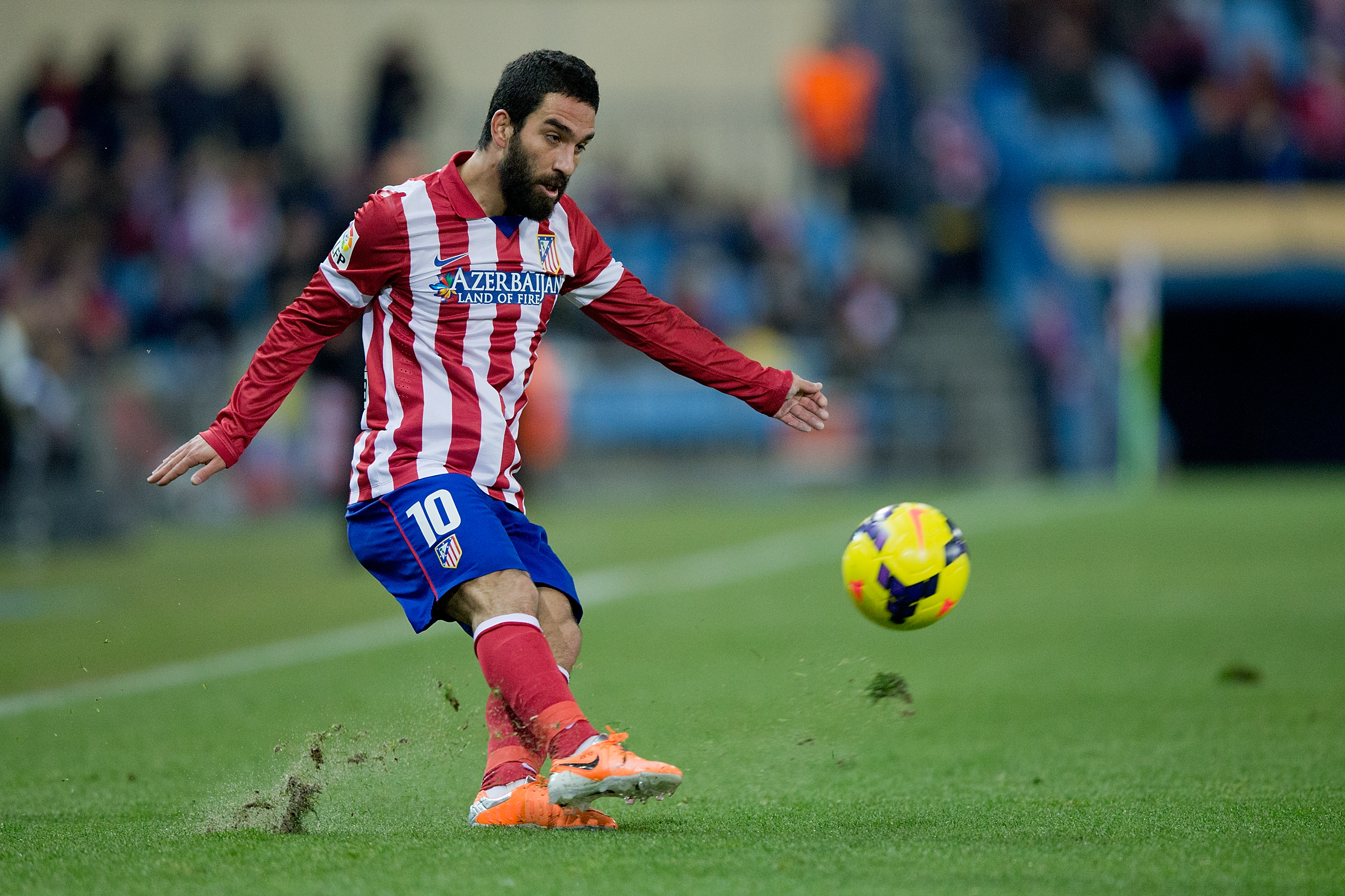 La Liga star's agent admits secret transfer talks and Manchester United bid