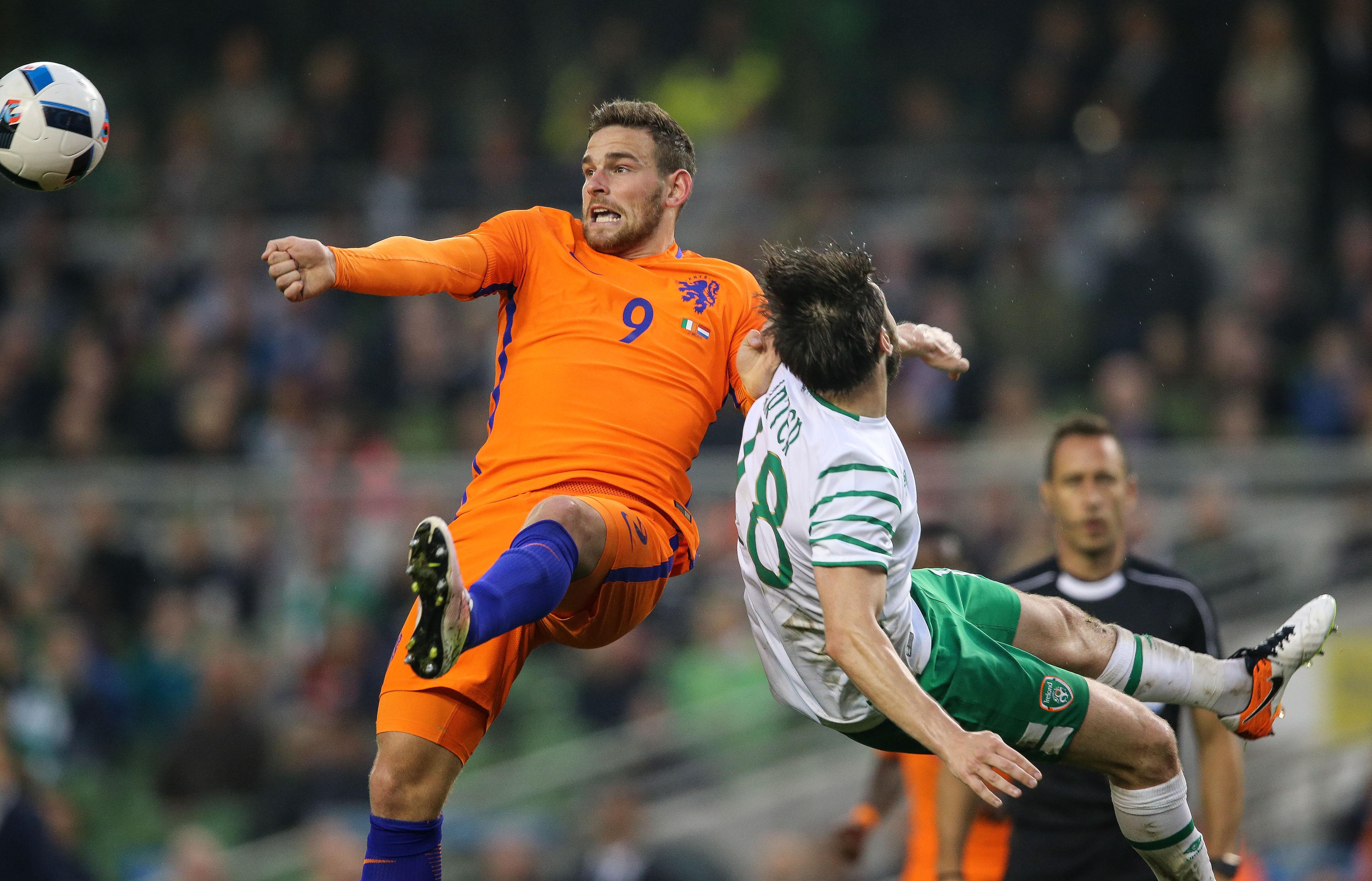 Spurs sign hotshot Dutch striker Vincent Janssen