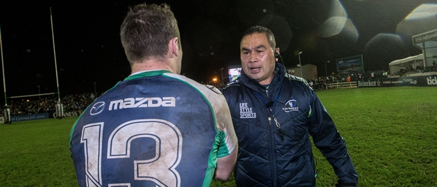 Robbie Henshaw and head coach Pat Lam celebrate after the game 1/1/2015