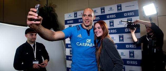 Sergio Parisse gets a selfie with Alexandra Evans 28/1/2015