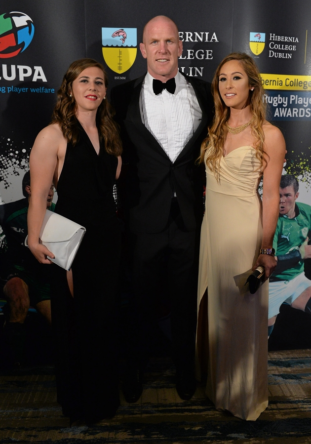 13 May 2015; Katie Fitzhenry, left, Munster and Ireland's Paul O'Connell and Eimear Considine, right, in attendance at the Hibernia College IRUPA Rugby Player Awards 2015. Burlington Hotel, Dublin. Picture credit: Brendan Moran / SPORTSFILE