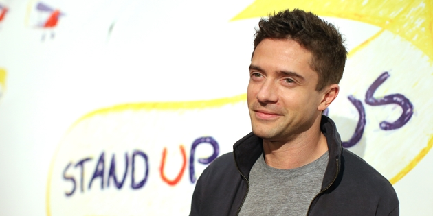 """WEST HOLLYWOOD, CA - NOVEMBER 13:  Actor Topher Grace attends the """"Stand Up For Gus"""" Benefit at Bootsy Bellows on November 13, 2013 in West Hollywood, California.  (Photo by Christopher Polk/Getty Images for SUFG)"""