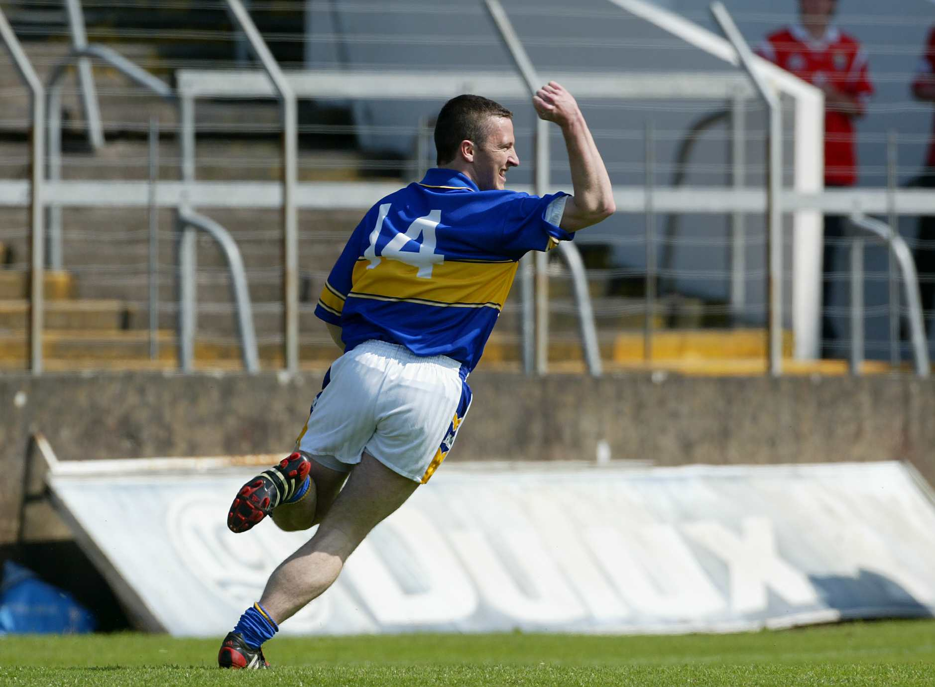 Declan Browne celebrates 16/5/2004