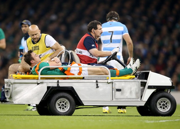 Tommy Bowe goes off injured 18/10/2015