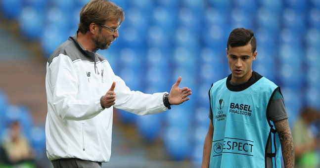 Liverpool teenager Alexander-Arnold hails 'father-figure' Klopp: He's like a mind reader