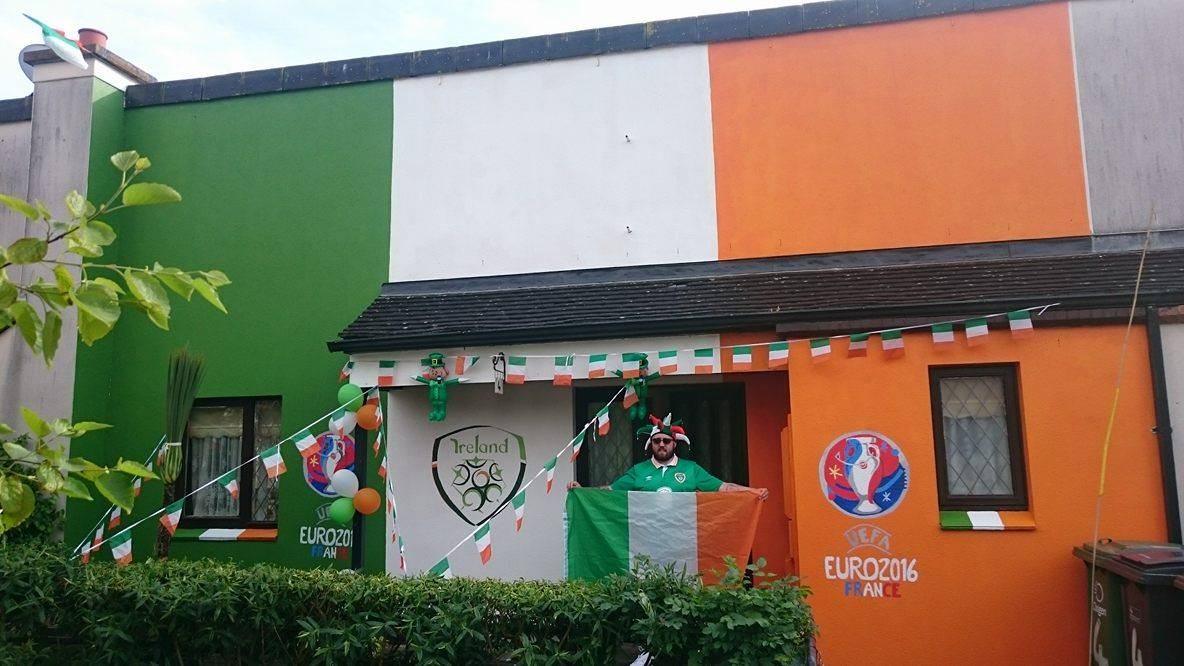 surely the greatest show of support from an irish fan that can u0027t