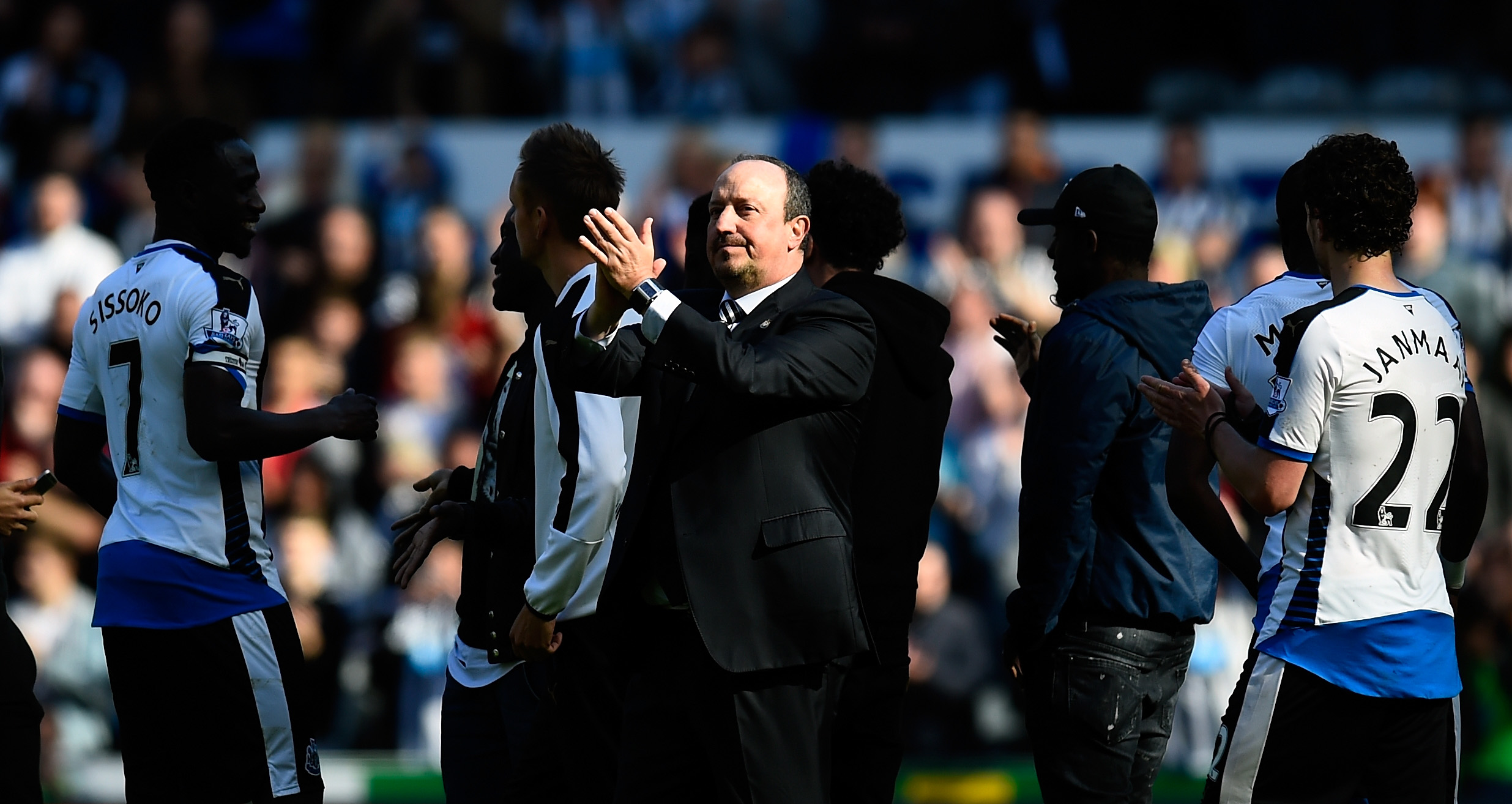 NEWCASTLE UPON TYNE, ENGLAND - MAY 15: Newcastle manager Rafa Benitez applauds the fans after the Premier League match between Newcastle United and Tottenham Hotspur at St James' Park on May 15, 2016 in Newcastle upon Tyne, England. (Photo by Stu Forster/Getty Images)