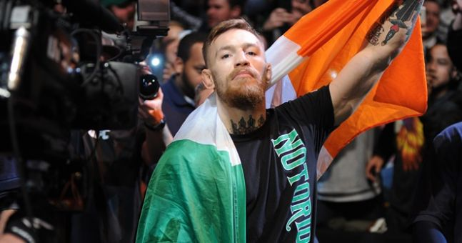 conor-mcgregor-boston-flag