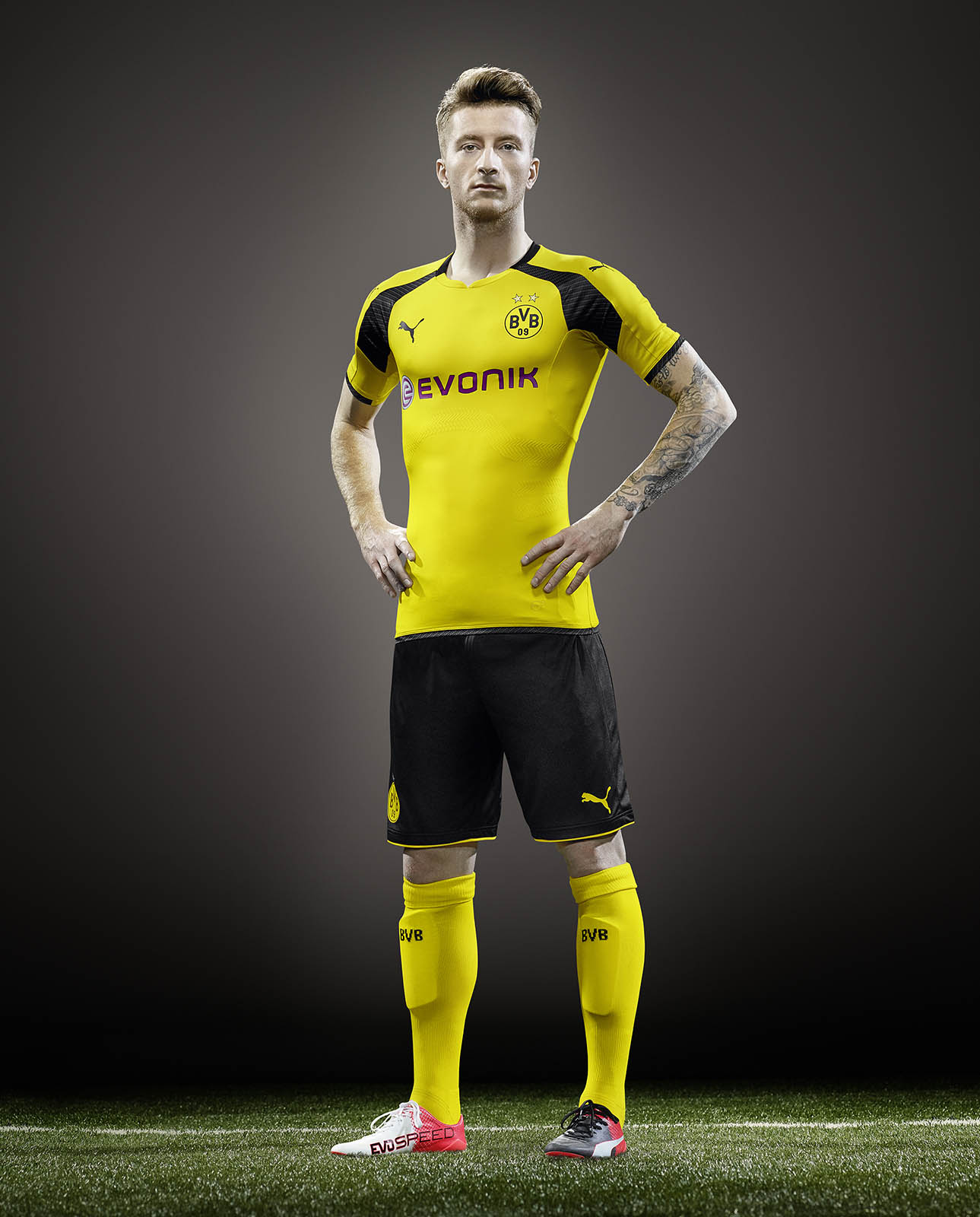 borussia dortmund release a brand new kit for the champions league. Black Bedroom Furniture Sets. Home Design Ideas