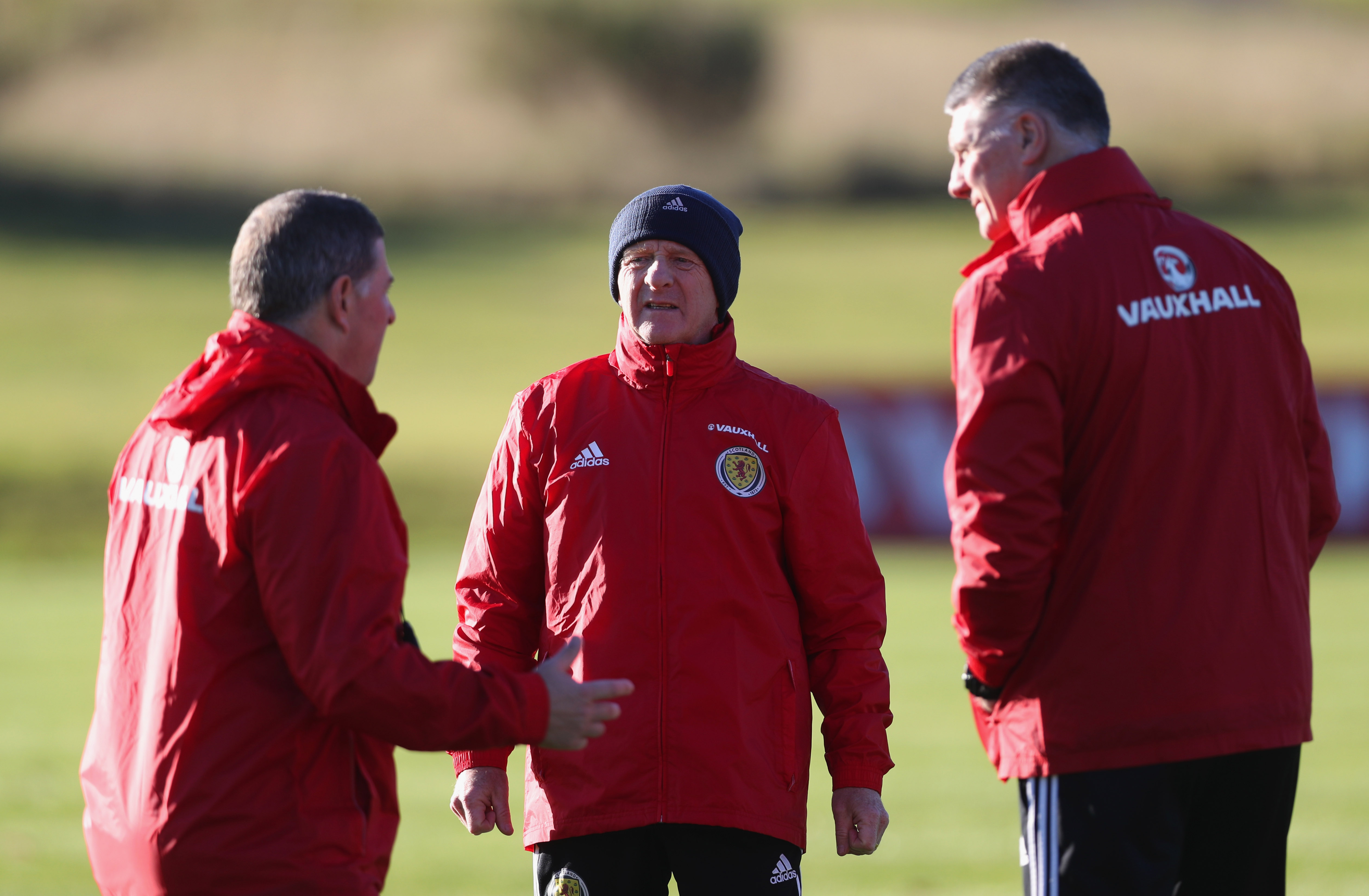 GLASGOW, SCOTLAND - NOVEMBER 07: Gordon Strachan manager of Scotland (C) in discussion with assistant coaches Mark McGhee (L) and goalkeeping coach Jim Stewart (R) during a Scotland training session at Mar Hall on November 7, 2016 in Glasgow, Scotland. Scotland are due to face England in a World Cup qualifier on November 11th at Wembley. (Photo by Ian MacNicol/Getty Images)