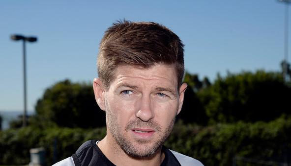 Alexander Buttner points to Steven Gerrard to deny Manchester United failure
