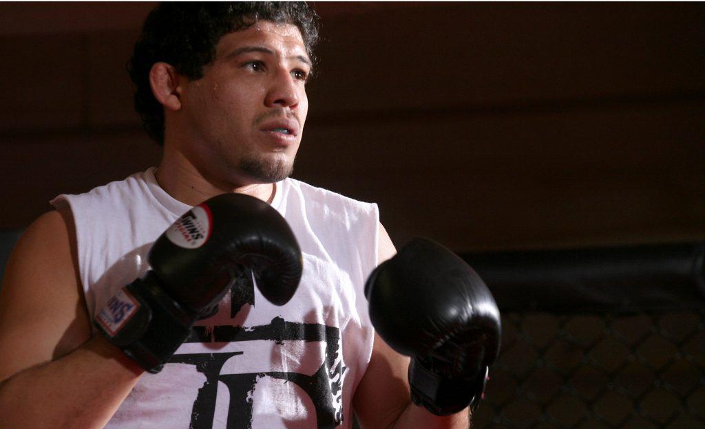CBS' Strikeforce MMA Fighters Open Media Workout