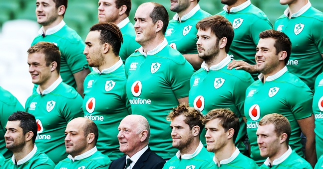 The Ireland squad line up for the team photograph 25/11/2016