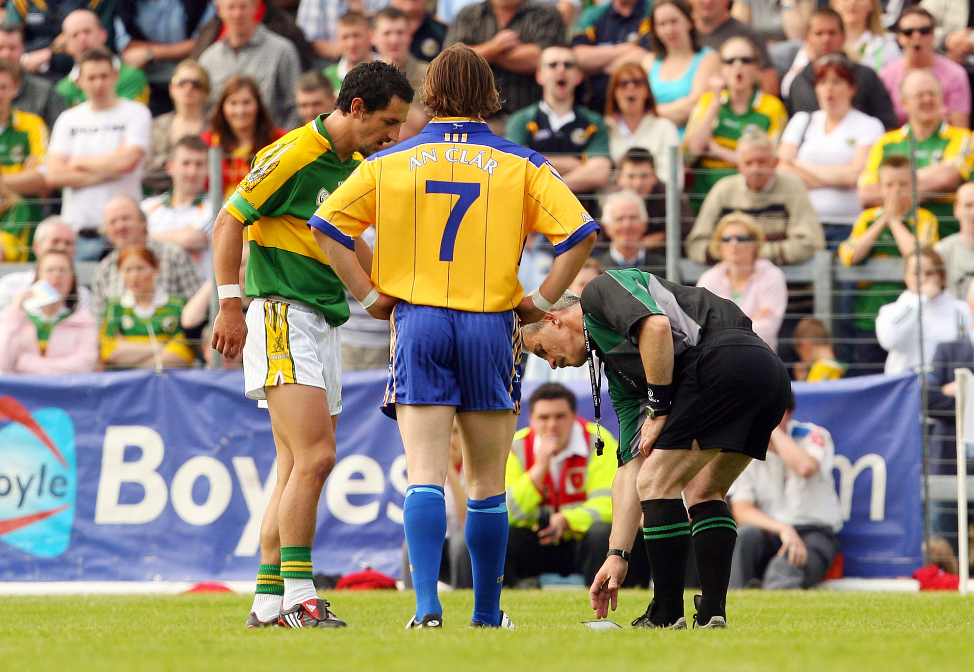 Munster Senior Football Championship Semi-Final 15/6/2008 Kerry vs Clare Kerry captain Paul Galvin knocks the book out of the hands of referee Paddy Russell after getting sent off. Mandatory Credit ©INPHO/Cathal Noonan