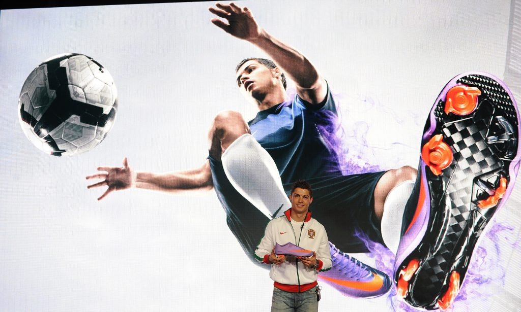 Why Cristiano Ronaldo does not wear black boots