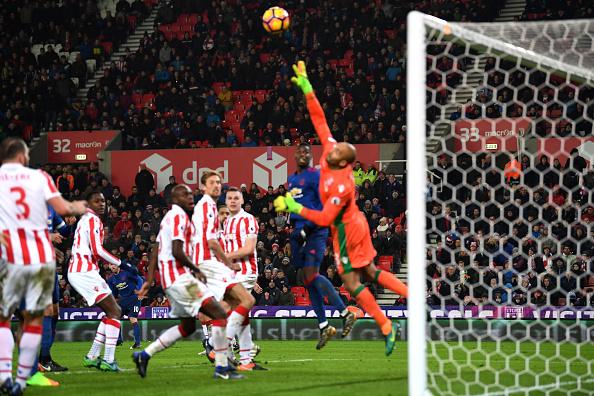Wayne Rooney breaks Man Utd's goal scoring record