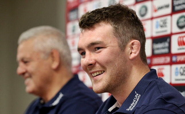Farrell ruled out of Maoris clash, Sexton starts