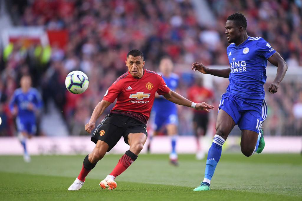 Pogba penalty sets United on way to win over Leicester