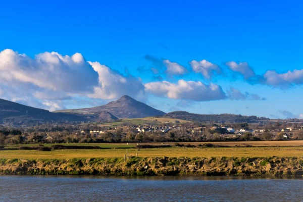 50 of the best places to eat, stay and play along Irelands