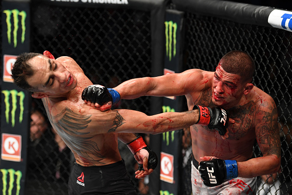Tony Ferguson victorious in bloody war with Anthony Pettis that will go down as one of the best fights of 2018 | SportsJOE.ie