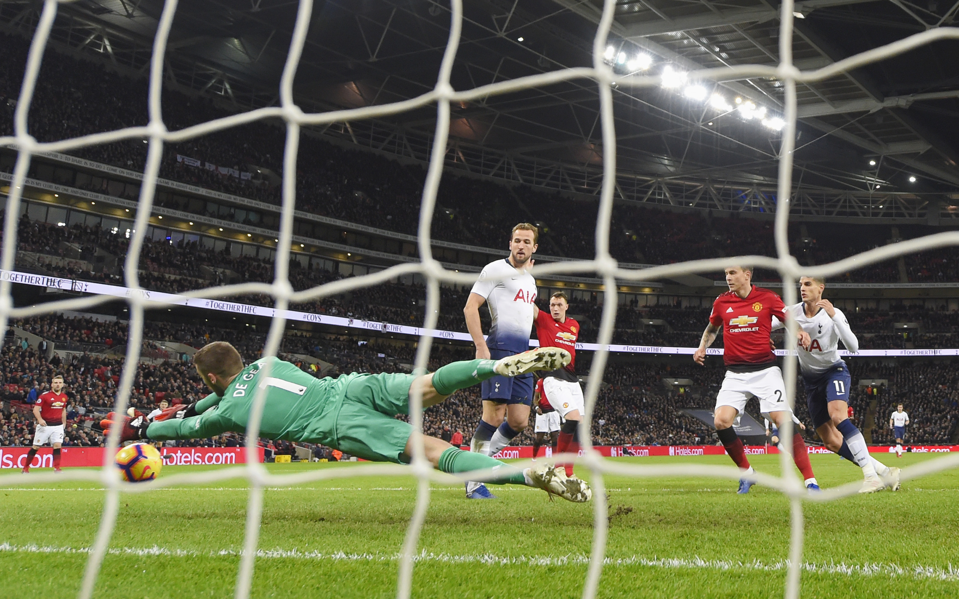 Football: Spurs' Pochettino recalls how he cheered United counterpart Solskjaer's 1999 Champions League final goal