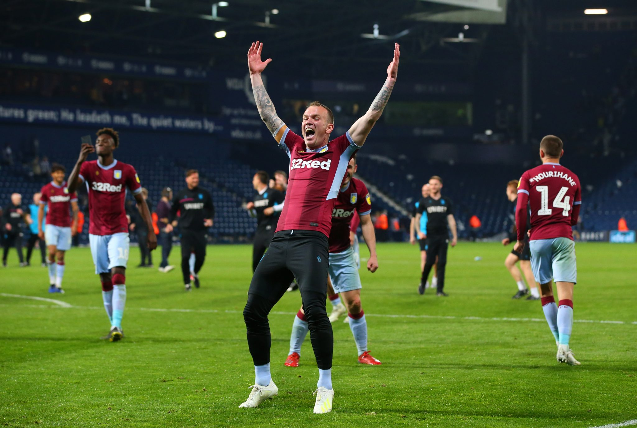Whelan exits Villa after contract is not renewed